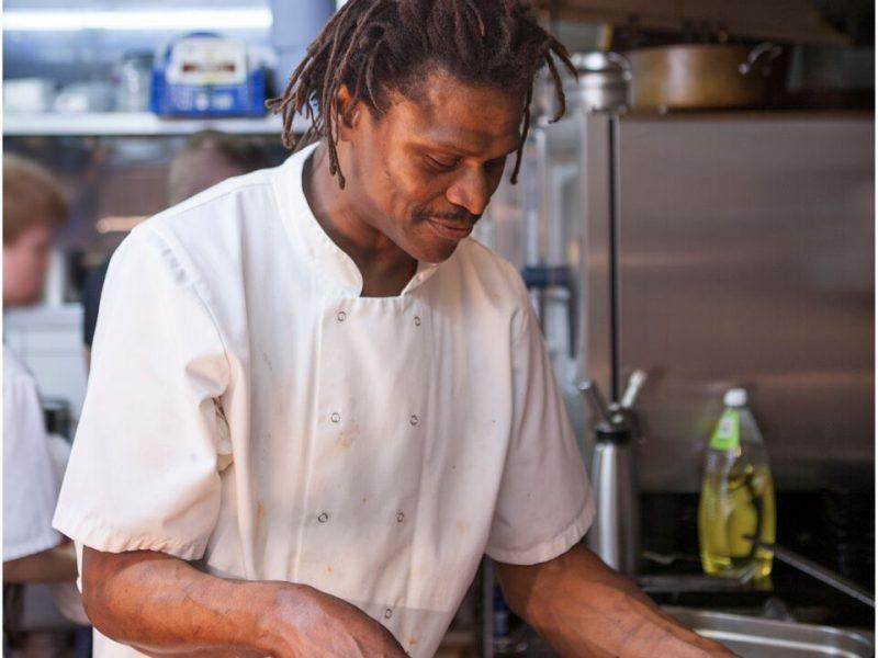 moyo-chef-nova-outsiders-outside-catering